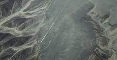 Nazcako lerroak. Kolibria (Igorza76) Tags: world heritage lines de la site hummingbird desert alien el per aliens unesco landing desierto pista pampas nazca colibr the jumana geoglyphs extraterrestre nasca aterrizaje humanidad patrimonio lneas palpa geoglifos basamortua lerroak ondare geoglifoak gizateriaren