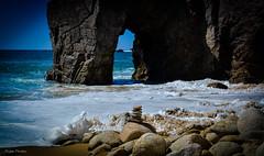 DSC_0253 (FlipperOo) Tags: voyage sea mer france color st rock port de nikon pierre vagues plage morbihan blanc roche arche quiberon instagramapp