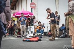 Feira da Ladra (Pereirinha33) Tags: street people playing portugal guitar lisboa lisbon roots violino violine feiradaladra