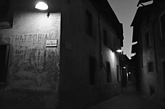 Ambiance nocturne  -  Night-atmosphere (Philippe Haumesser Photographies) Tags: city blackandwhite italy night outside lights reflex nikon italia noiretblanc ruelle rue nuit nocturne italie ville lumires 2016 tirano d7000 nikond7000