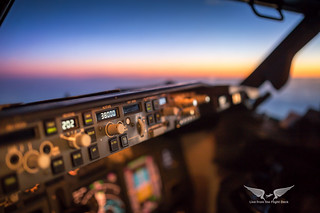Boeing 737 cockpit sunset
