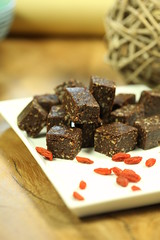 """raw cacao goji bites • <a style=""""font-size:0.8em;"""" href=""""http://www.flickr.com/photos/78016925@N03/6860287124/"""" target=""""_blank"""">View on Flickr</a>"""
