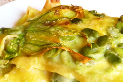 Lasagne with fresh fava beans, zucchini and their blossoms (Carmelita Cookitaly) Tags: spring pasta vegetarian bologna zucchini italianfood lasagne lasagna baked favabeans zucchiniblossoms cookitalycom cookingwithcarmelia