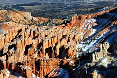 Bryce 1 105 (George Reader DC) Tags: utah hard erosion bryce vistas canyons americanwest pinnacles hoodoos brycecanyonnationalpark weirdnature overlooks majesticlandscapes