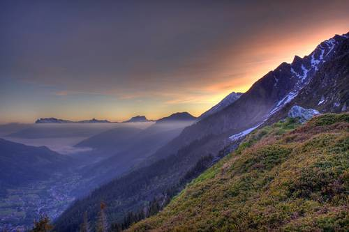 Sunrise over Les Contamines Valley above Refuge Tre la Tete (photo by John Southcombe)