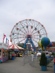 Wonder wheel (derekb) Tags: ny newyork brooklyn coneyisland