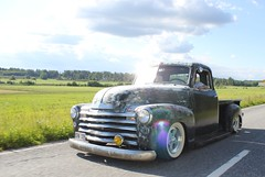 Chevrolet 1950 on the road (Drontfarmaren) Tags: pictures road old wild classic chevrolet truck vintage gallery power pickup american meet 1950 bilder drontfarmaren
