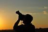 FELIZ NIVER!!!!! amo-te, pai dos meus filhos!!!!! (Ruby Ferreira ®) Tags: sunset silhouettes pôrdosol silhuetas myhusband notreatment confederaçãobrasileiradeparaquedismo centronacionaldeparaquedismoboituvasp