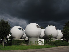 21 juli 2012, 's-Hertogenbosch (Gijsbert van der Wal) Tags: shertogenbosch bolwoningen bollenveld fleringen kreijkamp