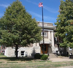 Carnegie Library (Albia, Iowa) (courthouselover) Tags: libraries iowa ia monroecounty albia carnegielibraries