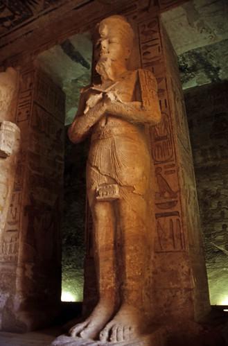 "Ägypten 1999 (133) Assuan: Im Großen Tempel von Abu Simbel • <a style=""font-size:0.8em;"" href=""http://www.flickr.com/photos/69570948@N04/27318714980/"" target=""_blank"">View on Flickr</a>"