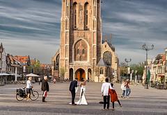 DELFT, HOLANDA (castillerozaldvar) Tags: blue windows sunset red sky people holland church netherlands bike clouds bride cathedral catedral weding delft holanda holliday paisesbajos castillerozaldivar manuelzaldivar