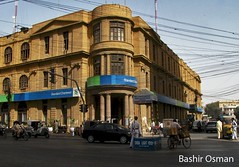 STANDARD CHARTERED BANK (Bashir Osman) Tags: pakistan building edificio bank karachi bina btiment gebude sindh paquisto banca banka scb  standardchartered  bashir banque  iichundrigarroad gebou   travelpakistan  pakistn standardcharteredbank       aedificium    ripam    gettyimagespakistanq12012 bashirosman gettyimagesmiddleeast     aboutpakistan aboutkarachi travelkarachi   pakistna pakistanas