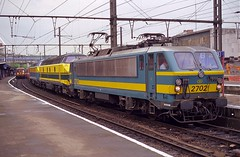 NMBS 2702+5504+5515 Lige Guillemins (Davy Beumer) Tags: nmbs l36 l42 l43 hld55 hle2127