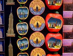 Manhattan, New York - USA (Mic V.) Tags: new york city nyc sky usa ny building art apple shop architecture america us store big king magasin state manhattan united kong souvenir ciel gift empire artdeco states deco magnet unis scraper dco skyscrapper gratte artdco amrique etats amerique tats
