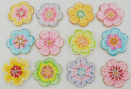 [Image from Flickr]:Hawaiian Leis cookies
