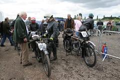 Veteran Triumph - Mallory Festival of 1000 Bikes 07 (Trev Earl) Tags: bike vintage vincent norton dot triumph yamaha ducati motoguzzi kawasaki manx mv zenith laverda bsa mallorypark classicbike vellocette classicrace ilobsterit ilobterit