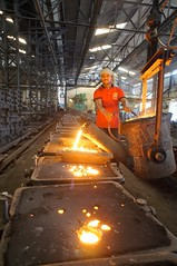 Pouring the Metal - 03 (Rajesh_India) Tags: india industry metal work foundry melting industrial sony workshop heat dust hyderabad pour casting castings molten