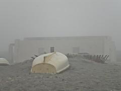 Reposo (Sofa) Tags: paisajes arquitectura playa barcas niebla almera locomotion barrios viajera acualia elalquin