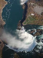 Niagara por cayisn (cayisn) Tags: canada water landscape waterfall interesting agua paisaje interesante cayi claudianiovillalobos