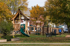 _DSC4599.jpg (bristolcorevt) Tags: playground bristol vermont outdoor swings structure treehouse bristolvt towngreen