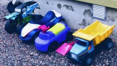 Parked (ri Sa) Tags: cars finland toy toys plastic parked shovel sipoo