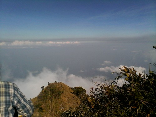 "Pengembaraan Sakuntala ank 26 Merbabu & Merapi 2014 • <a style=""font-size:0.8em;"" href=""http://www.flickr.com/photos/24767572@N00/26888438540/"" target=""_blank"">View on Flickr</a>"