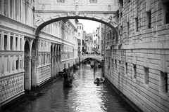 Under the bridge (Channed) Tags: city travel bridge bw holiday water boat vakantie canal europa europe explore gondola kanaal brug stad itali gondel reizen veneti flickrexplore chantalnederstigt
