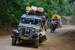back from the market (Jean-Marc Vacher) Tags: india market taxi march inde chhattisgarh jagdalpur surcharg heavilyloaded