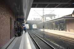 Bahnsteig (affnpack) Tags: berlin bahnhof re abschied 2012 fruehling gesundbrunnen camtest heimkehr tamron1750mmvc