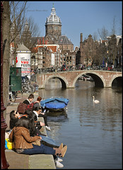 I love Amsterdam in the spring time... (martin alberts Pictures of Amsterdam) Tags: amsterdam spring lente redlightdistrict 1012 oudezijdsvoorburgwal wallen unescoworldheritagelist springinamsterdam martinalberts blinkagain postcode1012