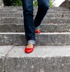 sabrinas vermelhas (tintas) Tags: red portugal shoes do fuji castelo finepix viana tintas sabrinas vermelhas exr f500