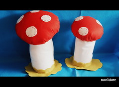 Mushrooms (Nanistore) Tags: snow mushrooms felt feltro snowwhite brancadeneve
