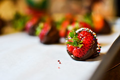 188/365 (rwanne) Tags: red fruit dessert photography yummy strawberry nikon chocolate delicious sprinkles whitechocolate milkchocolate chocolatestrawberries d3000