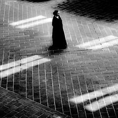 riflessi e riflessioni sul pav (archifra -francesco de vincenzi-) Tags: street bw italy woman square donna italia urbanart riflessi ville carr molise isernia sagoma archifraisernia francescodevincenzi imageourtime mygearandme photodelavie