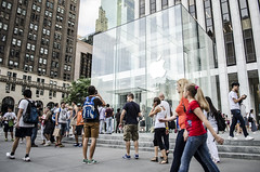 The Apple Store (mikejmartelli) Tags: newyorkcity apple retail applestore 5thavenueflagship
