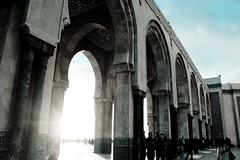 grandiose (maria_daniela) Tags: light sunset luz architecture atardecer arch culture mosque morocco marroqui casablanca marruecos arco cultura mesquita hassaniimosque mesquitahassanii