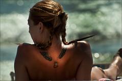 TATOO ON THE BEACH.......... (colpo d'occhio) Tags: sea beach wings nikon ali hearth tatoo tatuaggio d90 bockeh centaurus virgiliocompany