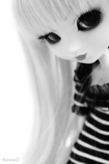 Melissa (Nanou~) Tags: light bw white black blur dark doll noir melissa nb m wig blonde groove pullip custom et blanc melly custo poupe sbh obitsu my not 27cm customise