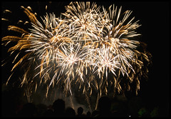 Battersea Park Fireworks 2012 - Finale (Cris Ward) Tags: longexposure november light colour london night fire display fireworks guyfawkes wandsworth 2012 bonfirenight batterseapark