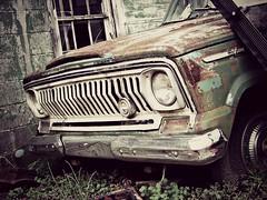 Fading away (Dave* Seven One) Tags: usa green art abandoned junk rust jeep time memories rusty chrome forgotten kaiser chrysler fading amc patina fadingaway wagonieer grandwagonieer