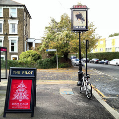 The Pilot (John Willoughby) Tags: london pub chiswick w4 thepilot oxfordroadnorth lunchtimestrollinchiswick