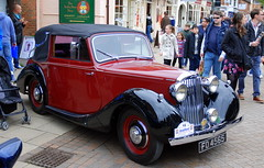 Stratford-upon-Avon Festival of Motoring 2016. (Roly-sisaphus) Tags: uk greatbritain england cars unitedkingdom gb warwickshire automobiles stratforduponavon midlands festivalofmotoring nikond802016dsc0579