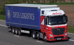 Duncan Adams (SG15EPK) (KS Transport Photography.) Tags: mercedesbenz m62 dfds duncanadams whitleybridge sg15epk