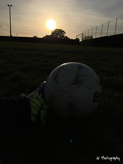 Couch de soleil au stade (Ju'Photography) Tags: soleil football ballon couch crampons