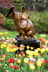 _DSC1800 Horton (Charles Bonham) Tags: flowers sculpture gardens bronze tulips flowerbed horton drseuss bronzesculpture hortonhearsawho childrensstories drseusscharacters charlesbonhamphotography