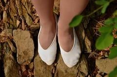 V pikotech u vody (07) (Merman cviky) Tags: ballet socks tights socken pantyhose slipper nylon slippers spandex lycra medias nylons balletslippers strumpfhose strumpfhosen ballerinas collant collants cviky ballettschuhe schlppchen ballettschuh ballettschlppchen elastan pikoty punoche