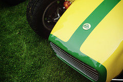 Lotus Seven on the lawn (Eric Flexyourhead (shoulder injury, slow)) Tags: canada detail green english car yellow vancouver zeiss nose bc lotus britishcolumbia seven british motor grille fragment nosecone 2016 allbritishfieldmeet vandusenbotanicalgarden lotusseven abfm 55mmf18 sonyalphaa7 zeisssonnartfe55mmf18za