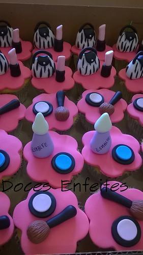 Festa Maquiagem ( cupcakes pink e preto)