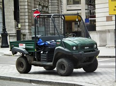 Kawasaki Mule 4010 (kenjonbro) Tags: uk green london westminster truck diesel trafalgarsquare utility pickup cart charingcross mule kawasaki sw1 4010 quadricycle groundsman powersteering kenjonbro fujifilmfinepixhs10 fujihs10 kawasakimule4010